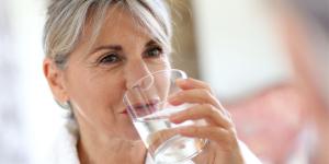 Água é 'remédio' contra pressão baixa