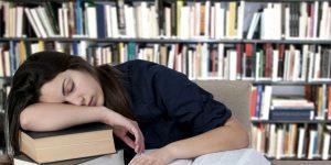 Maratona de sono não compensam noite mal dormida